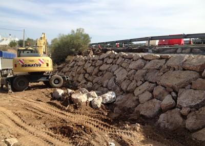 Excavaciones-Santomera-S.L.U-colocación-de-escollera-1
