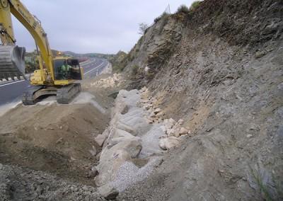 Excavaciones-Santomera-S.L.U-colocación-de-escollera-3