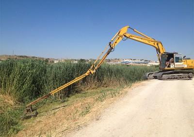 Excavaciones-Santomera-S.L.U-desbroce-y-limpieza-de-ríos-y-canales-1